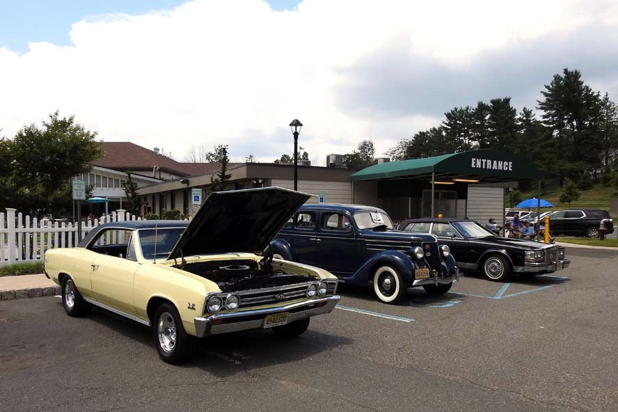 CareOne at Somerset Valley Cruise In