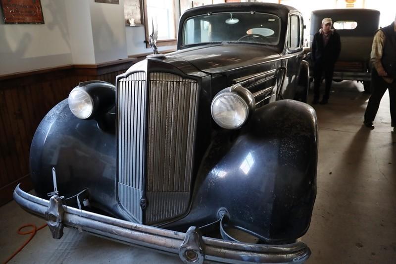 Babinsky Tour 19 11 23 099 - Babinsky Automotive Restorations Tour