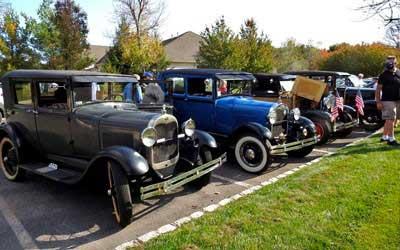 Antique Car Parade at Somerset Run
